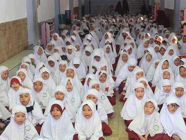 Aktifitas Siswi SD Al Hilal Putri